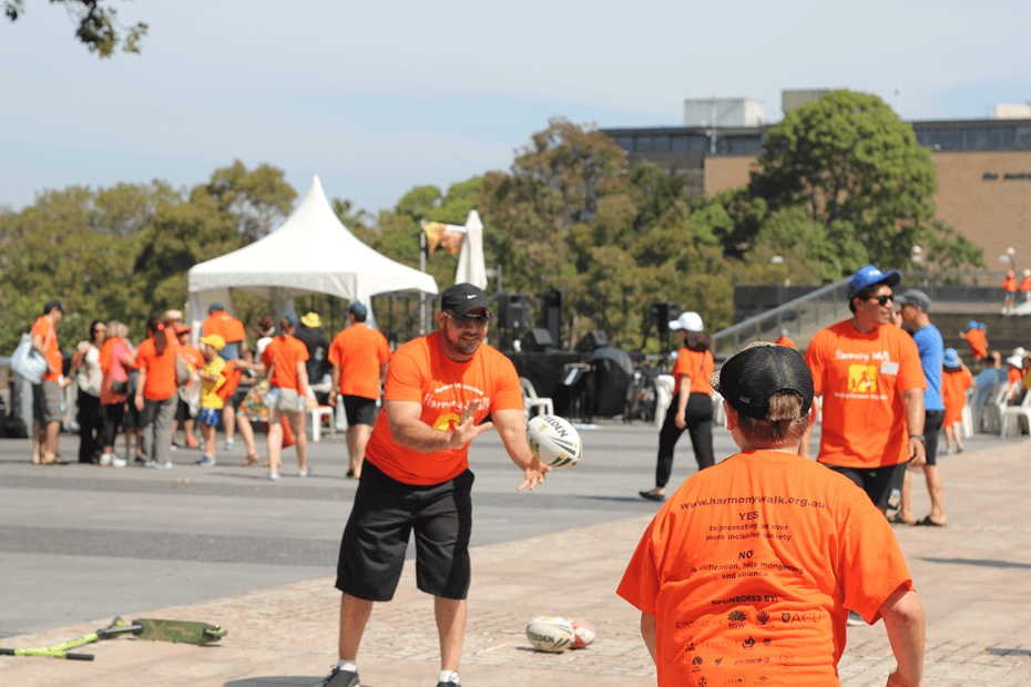 Harmony Walk 2014: Moving together in peace