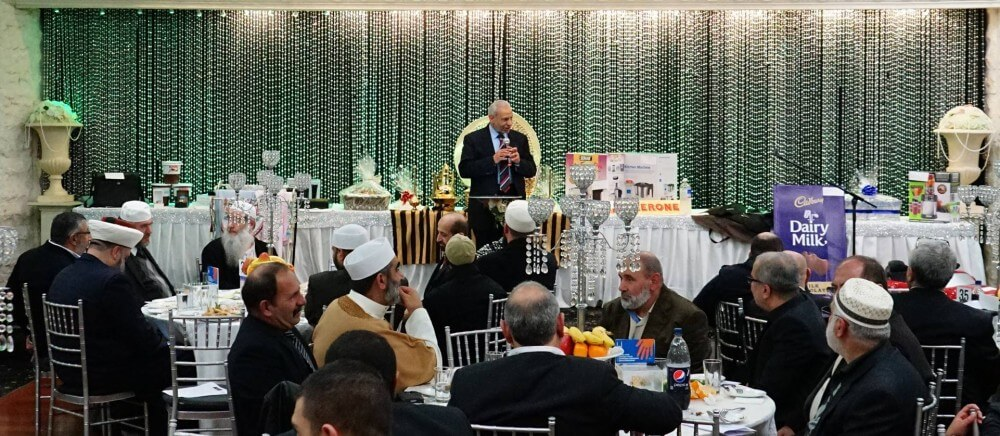 Fundraising dinner for Iraqi refugees