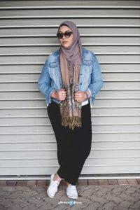 Mona, 24, travel agent