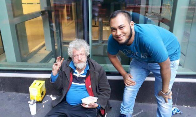 Muslims feeding the needy in Sydney CBD