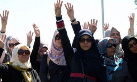 Turkey reverses headscarf ban