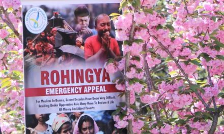 Canberrans gather to support Rohingya refugees