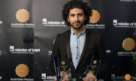 Osamah Sami takes centre stage at Muslim Achievement Awards