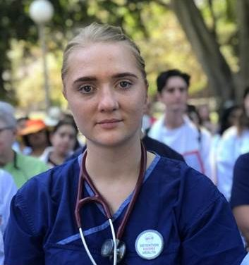 Medical students rally against harm to refugees