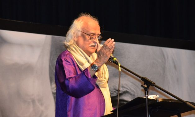 TV Star brings the house down: Anwar Maqsood's live performance in Australia
