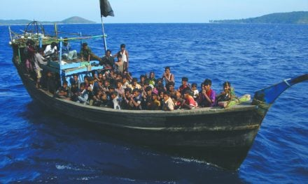 Huge surge in Rohingya Muslims fleeing Myanmar