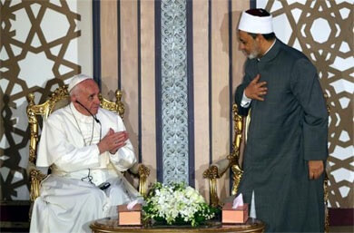 Pope at Al-Azhar; religious leaders must 'unmask' violence and hatred
